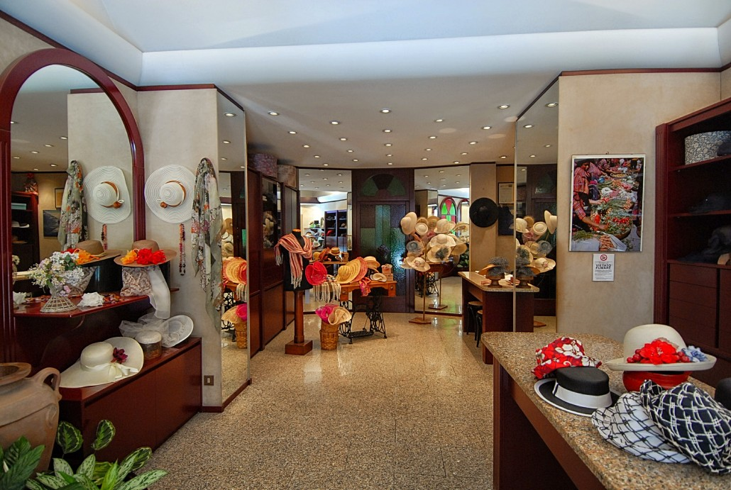 Il negozio Rinaldelli a Livorno